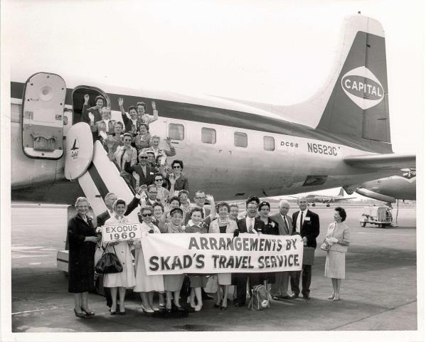 An escorted tour group organized by Skads in 1960